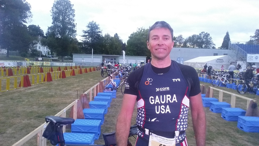 Jeff Gaura setting up in transition.
