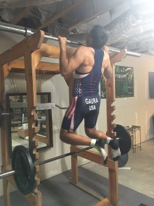 Jeff Gaura doing chin ups as he prepares for the ITU World Championships in Long Course Duathlon